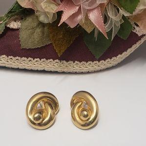 Vintage PEP Gold Tone Earrings